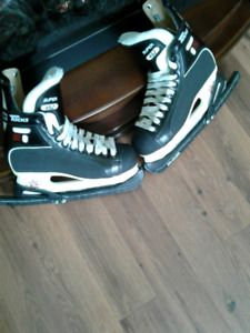 CCM Tacks Size 8 Awesome Condition