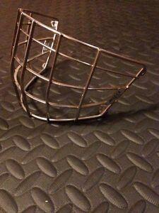 Grille neuve pour masque gardien de but