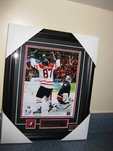 ~BRAND NEW~Sidney Crosby-Team Canada Framed Picture 2010