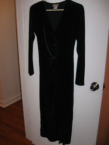 Black velvet dress Belleville Belleville Area image 1