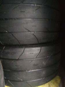 305/35/20 Mickey Thompson ET Street SS ( pair )
