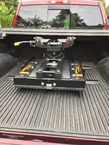 Demco 18,000 lb 5th wheel autoslide hitch INSTALLED