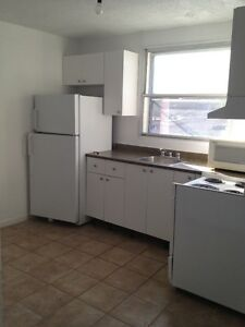 4 1/2 to rent as of now + 1 month free