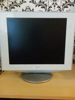 PRIME CONDITION SONY DESKTOP MONITOR FOR SALE!