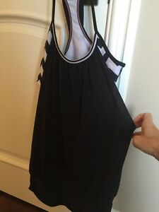 Lululemon No limits tanks size 6