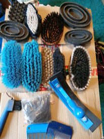 Horses tackle brushing set comb for main hair no longer have my horse
