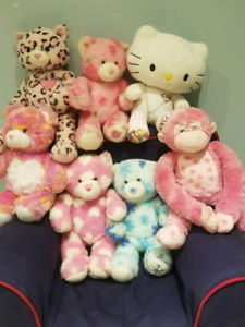 Build-a-Bear HUGE LOT of bears, clothes & accessories