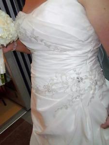 Wedding dress $250 size 16
