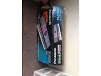 Panasonic SX-KC600 Keyboard + stand + sustain pedal + instruction guide