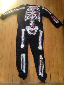 Costume de zombie/squelette pour enfants grandeur 7 à 10 ans