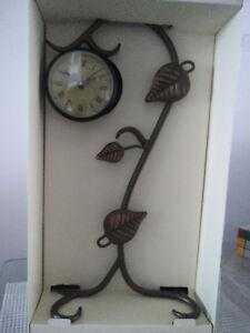 Decorative metal leaf clock