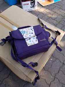 Travel booster seat West Island Greater Montréal image 2