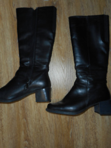 college size 7.5 dress boots in very good condition