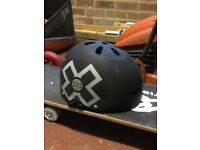 Stakeboard and helmet
