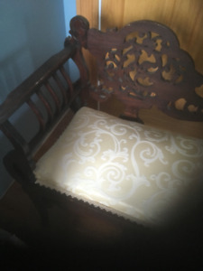 White Settee with lovely Filligree