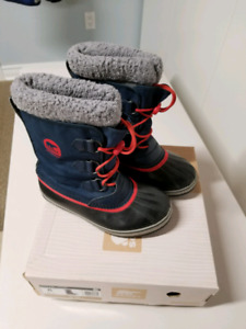 Sorel Youth Winter Boots Size 6  $45