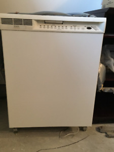 Frigidaire Gallery White Dishwasher - Good condition