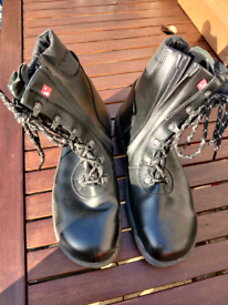 Sieve Size 10 safety boots