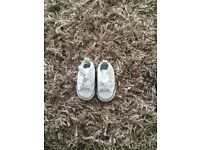 Baby converse size 2
