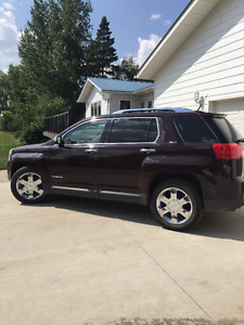 *Immaculate* GMC Terrain SLT-2 SUV, Crossover - Low KM's