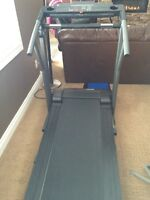 PERFECT CONDITION treadmill but ... Needs a motor