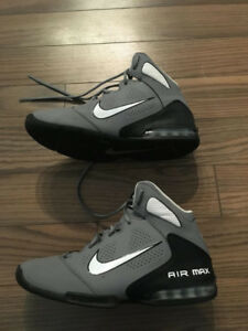 Chaussure de basketball Nike Air Max pointure 7us