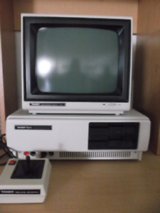 ordinateur tandy 1000