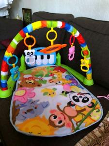 Tapis de jeu pour bébé / Educational Play Mat / baby gym