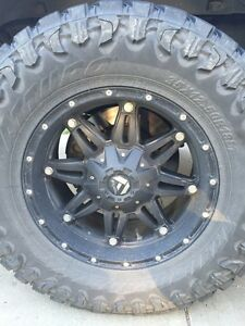 Fuel hostage rims with 35 toyo open country Mts
