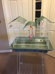 Prevue Hendrix Clean Life Triple Roof Bird Cage For Sale