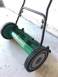 Push lawn mower for sale Cambridge Kitchener Area image 2