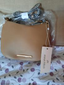 Anna field handbag