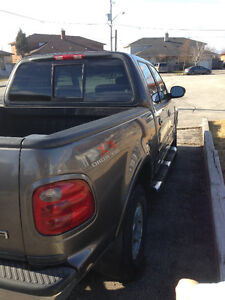 2003 Ford F-150 SuperCrew lariat Pickup Truck