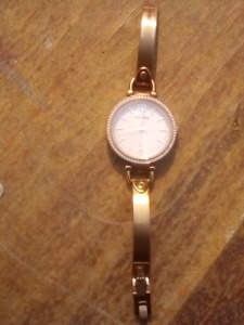 Womens Fossil, gold watch