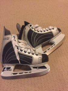 Boys Junior Size 2 CCM Ice Skates