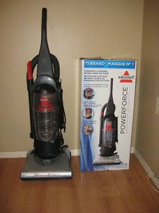 BISSELL POWERFORCE TURBO VACUUM w BOX - LIKE NEW!