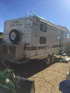 Gr8 Price!! Gr8 condition! 5th wheel