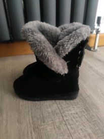 Girl Boots size 7