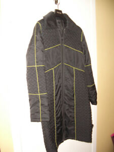 *** RUDSAK *** simple demi-season coat -- size XS / S