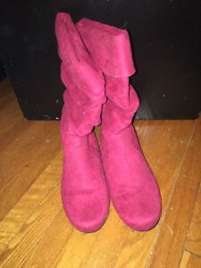 Red suede boots size 7.5 Kitchener / Waterloo Kitchener Area image 2