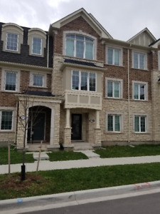 5 bed, 4 bath 2 garage for lease luxury Oakville $2500 a month