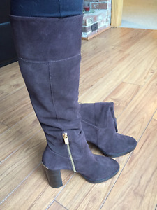 MICHAEL KORS brown sued and leather boots size 7.5