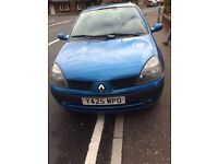 Renault Clio 2001 - Long MOT - Clean inside and outside - Great first car, cheap to insure!