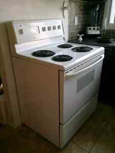 Four et Frigo pour 400$/ Fridge and Stove for 400$