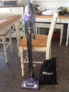 SHARK Vaccum Cleaner