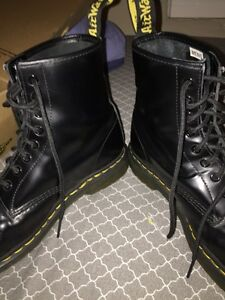 Dr Martens 8 hole smooth leather size 9 Peterborough Peterborough Area image 5
