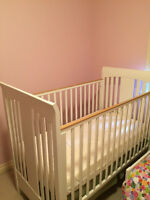 Crib in great condition - white