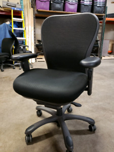 Office chairs / Nightingale CXO 6200