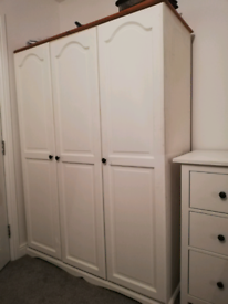 High Quality Wooden White Triple Wardrobe