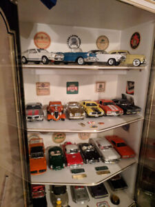 CAR #6 Orange FORD ERTL collectible Toy 1.18 SCALE